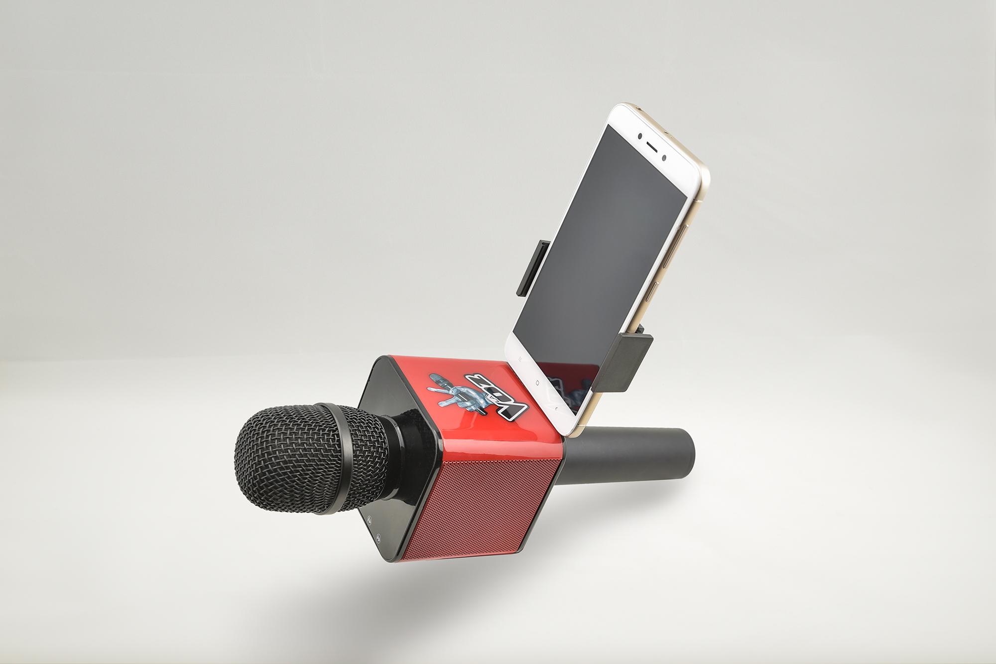 Soporte para el móvil smartphone lo vemos en el unboxing del micrófono Karaoke de La Voz de Antena 3